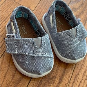 Canvas Baby Toms 2T NWOT